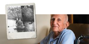 Argos Zorggroep oude man met polaroid van vroeger